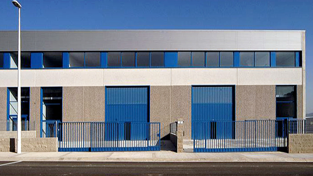 Nave Industrial Alquiler Sant Andreu Barca Polígono La Clota vista frontal