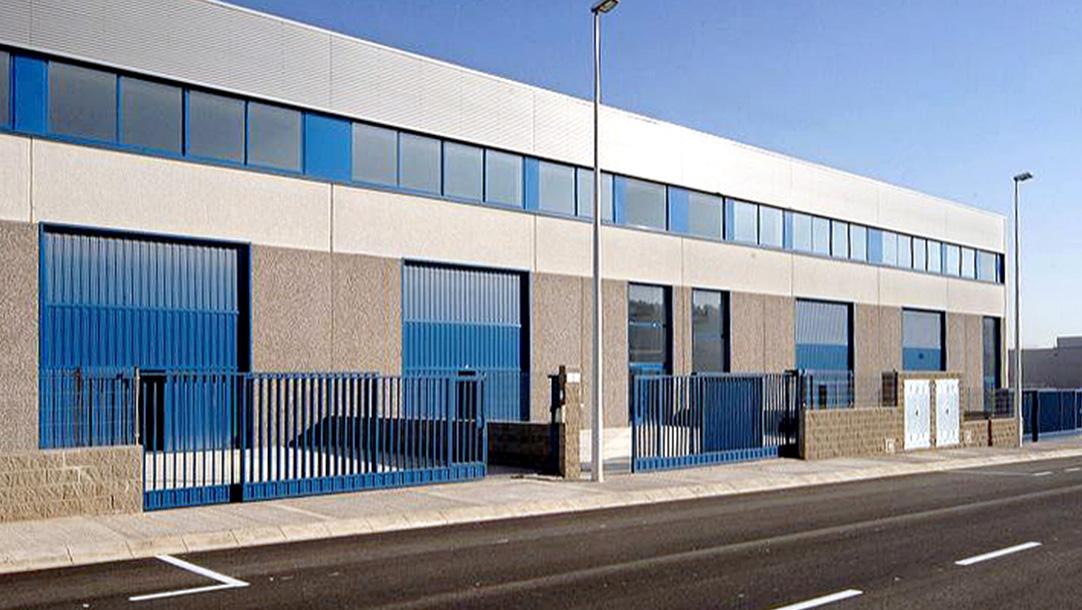 Nave Industrial Alquiler Sant Andreu Barca Polígono La Clota vista lateral