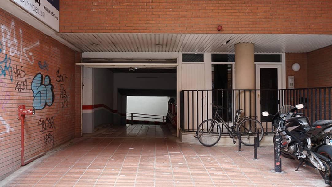 Parking en Hostafrancs (Barcelona) en calle Leiva 49