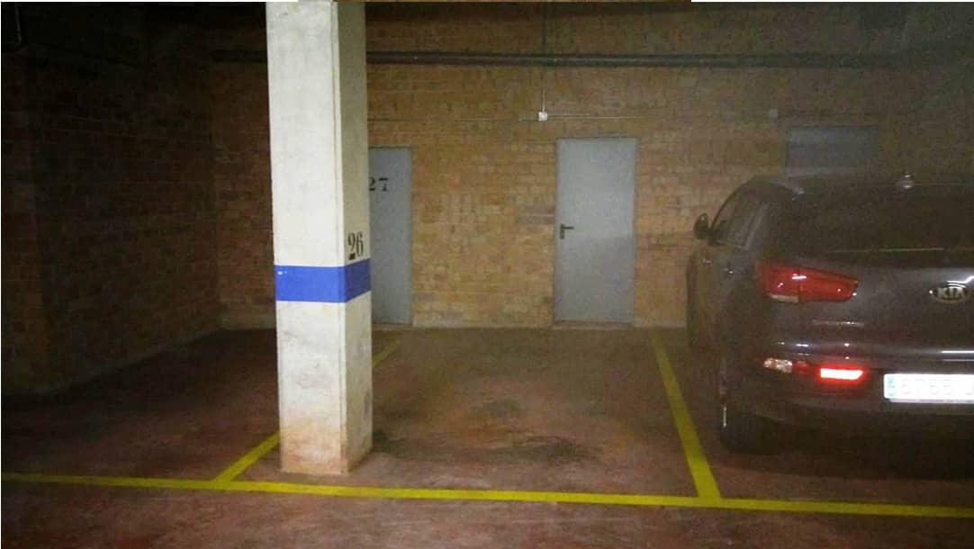 Parking en venta o alquiler en Sant Boi de Llobregat, calle Frederic Mompou 27-31 - Molí Nou