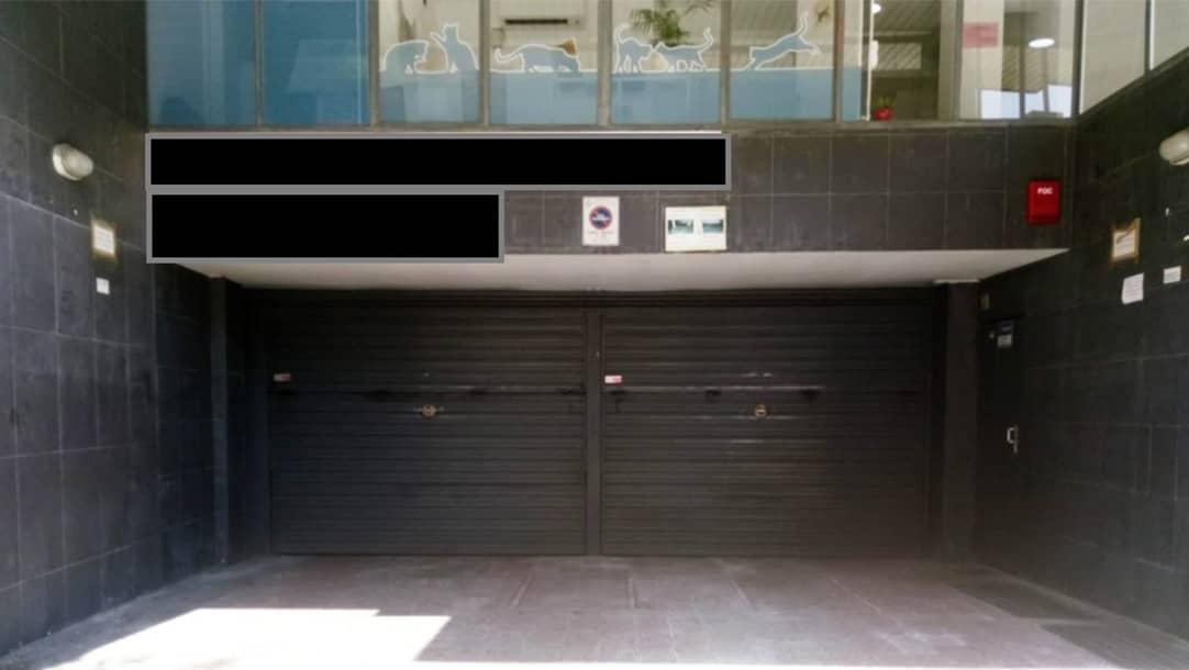 Parking en venta o alquiler en Sant Boi de Llobregat, calle Riera Basté 22 - Marianao