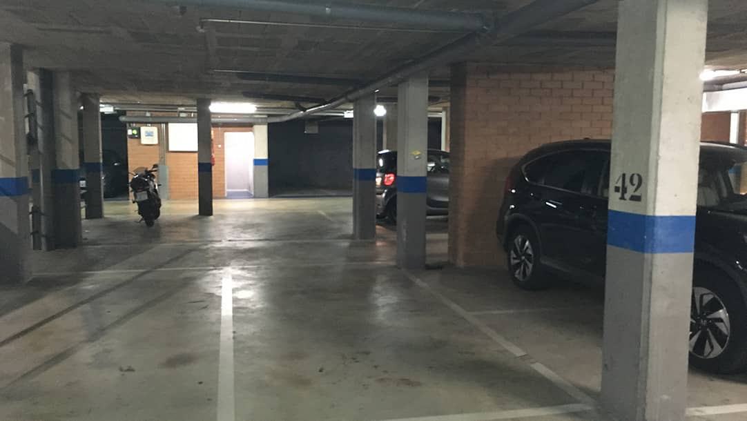 Parking en venta o alquiler en Santa Perpetua de Mogoda, Avenida Barcelona 4