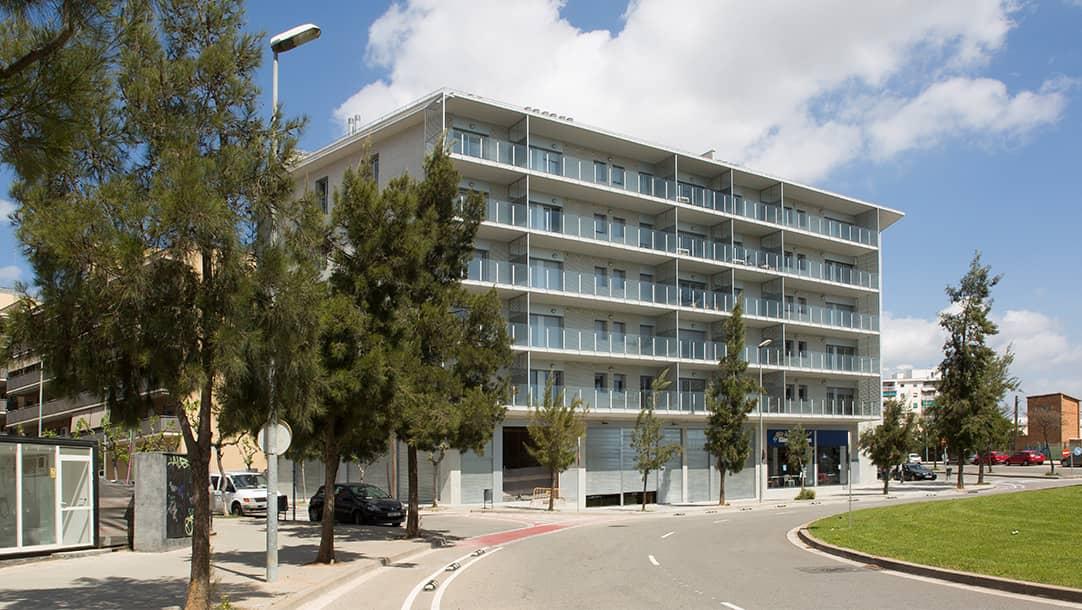 Local en venta en Sant Boi Llobregat Ronda Sant Ramon - Fachada 2