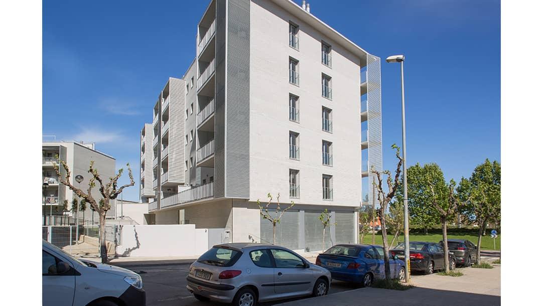 Local en venta en Sant Boi Llobregat Ronda Sant Ramon - lateral